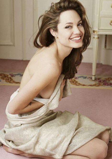 Jolie'nin şok pozları - 16